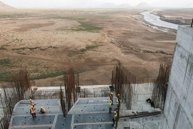 Construction works at the Grand Ethiopian Renaissance Dam (GERD) near Guba in Ethiopia (AFP Photo/EDUARDO SOTERAS)