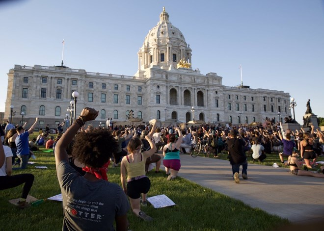 Twin Cities calm as curfew takes effect; medical examiner calls Floyd's death a 'homicide'