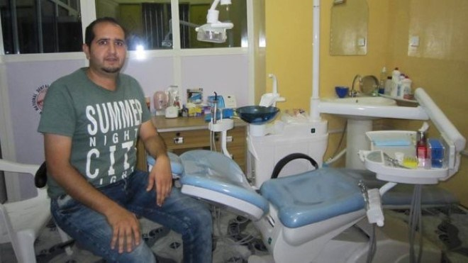 201718636194349406890614 93156638 dentist Aleppo dentist brings 'Hollywood smiles' to Somalis after fleeing Syria