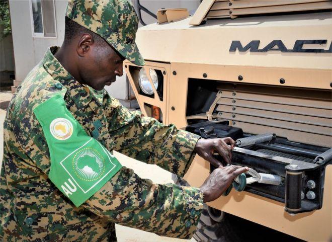 US escalates Somalia fight while Pentagon downplays buildup