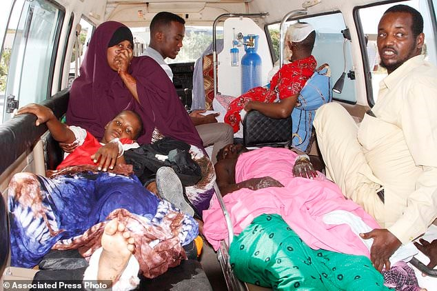 Medical aid rushed to stricken Somalia after bombing