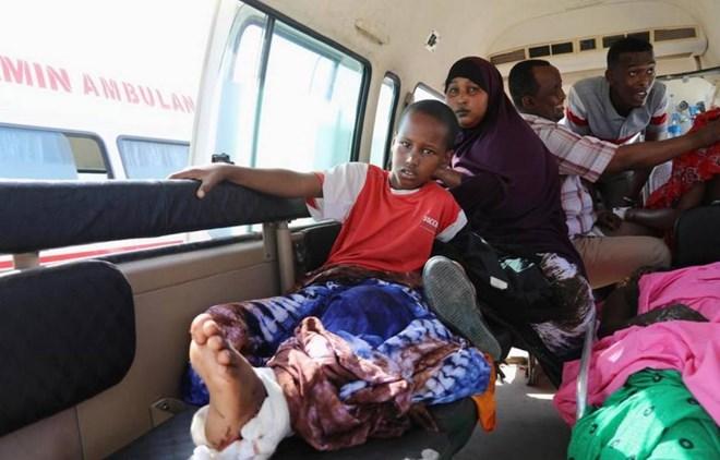 Chaotic response to Somali bombing cost lives, medics say