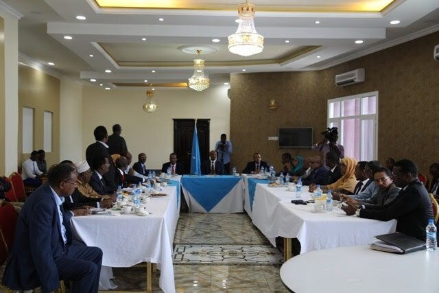 Somalia rebukes its states for breaking with Qatar