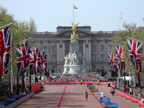 London Marathon 2018: Mo Farah shifts focus to World Championship after record run