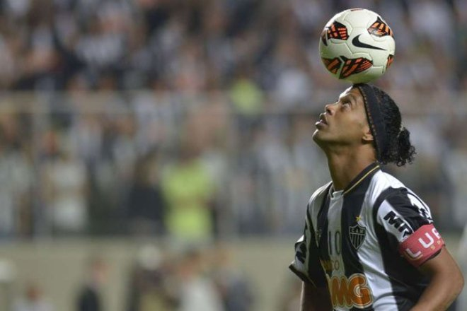 Ronaldinho retires from football