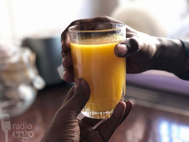 Fresh juice delivery business brings success to unemployed IT graduate in Burao