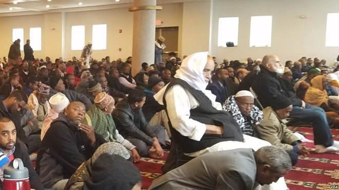 Worshippers at the West Columbus Abubakar Assidiq Islamic Center, Ohio, Friday, Dec 2, 2016.