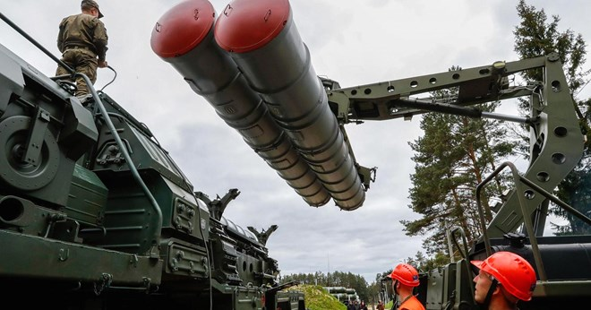 Turkey and Russia on Friday signed an accord for Moscow to supply Ankara with S-400 surface-to-air missile batteries, Turkish authorities said, finalizing a deal set to deepen military ties between NATO member Turkey and the Kremlin.