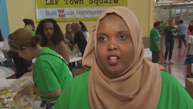 Volunteer Osob Mohamud has taken Saturday's event as an opportunity to give back to Somalia. (CBC)