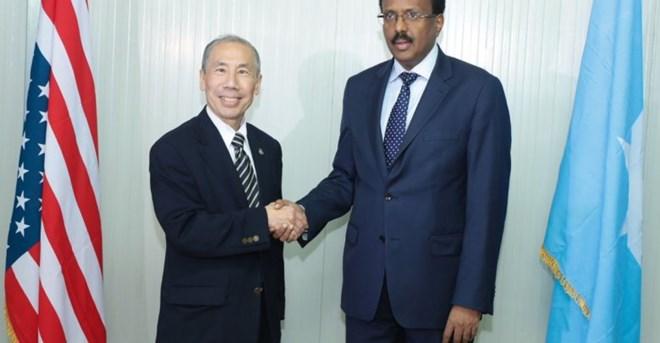 New US ambassador to Somalia presents his credentials to Somali president