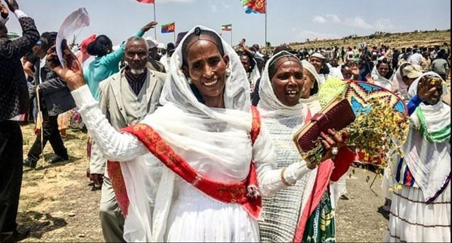 Eritrean women expressing their joy as two land border crossings between Ethiopia and Eritrea were reopened for the first time in 20 years on September 11, 2018