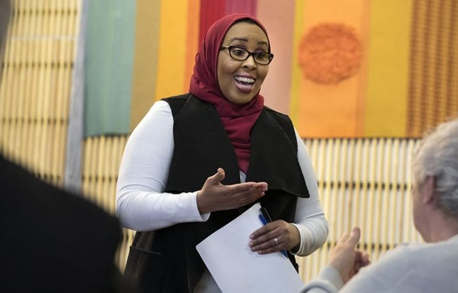 St  Cloud teacher counters hate with sambusas and Somali tea