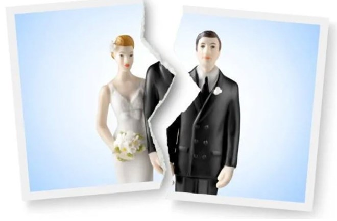 UAE woman files for divorce from her husband for loving her too much