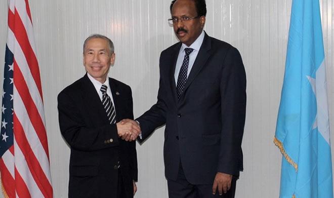 Ambassador Donald Yamamoto with President Mohamed Abdullahi Farmaajo -  Photo: Villa Somalia